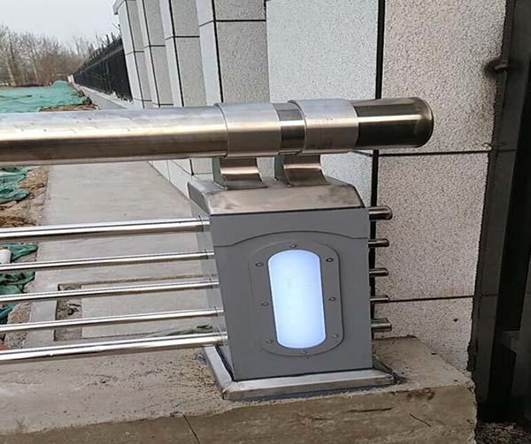 灯箱护栏安装案例